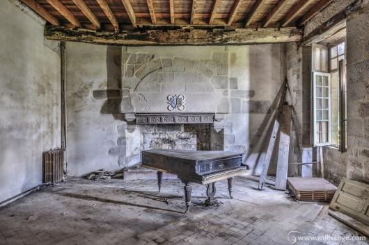 photo-urbex-chateau-abandonne-manoir-de-satyre-2