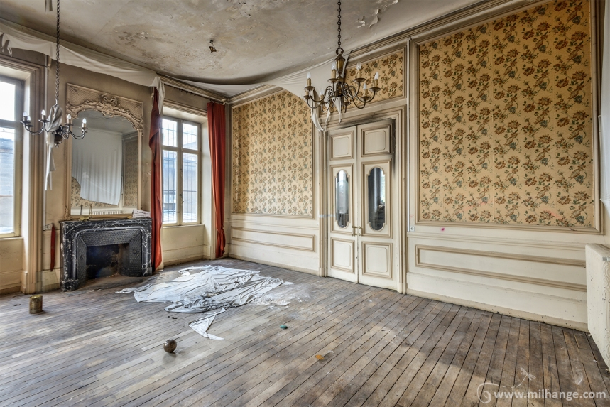 photo-urbex-hotel-polichinelle-abandonne-9