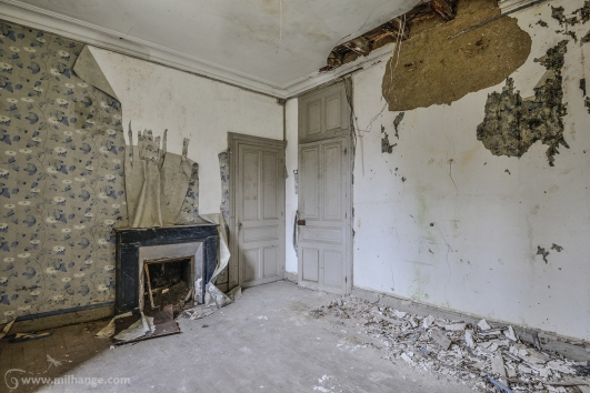 photo-urbex-chateau-abandonne-manoir-aux-mimosas-2
