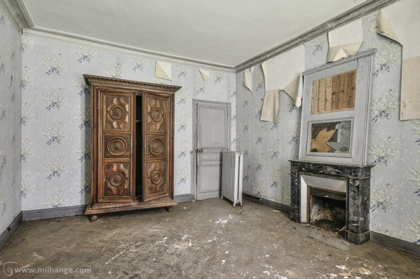 photo-urbex-chateau-abandonne-manoir-aux-mimosas-4