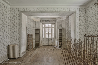 photo-urbex-chateau-abandonne-manoir-aux-mimosas-6