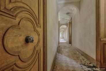 photo-urbex-chateau-du-roi-de-pique-decay-abandoned-castle-10