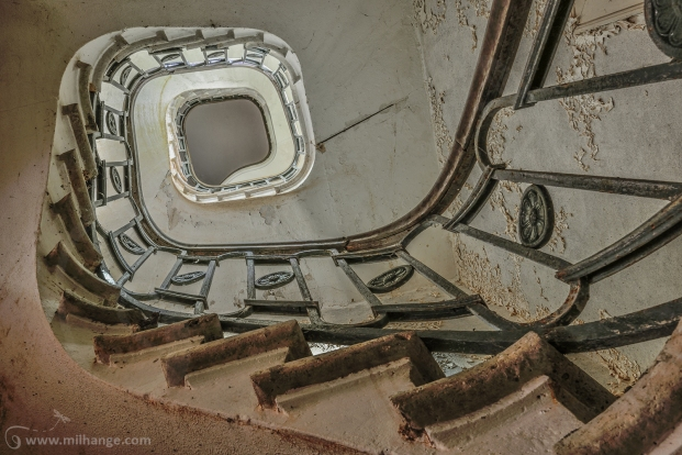 photo-urbex-chateau-du-roi-de-pique-decay-abandoned-castle-11