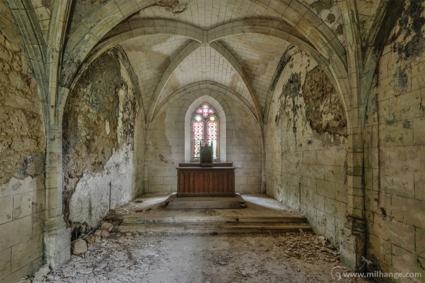 photo-urbex-chateau-du-roi-de-pique-decay-abandoned-castle-15