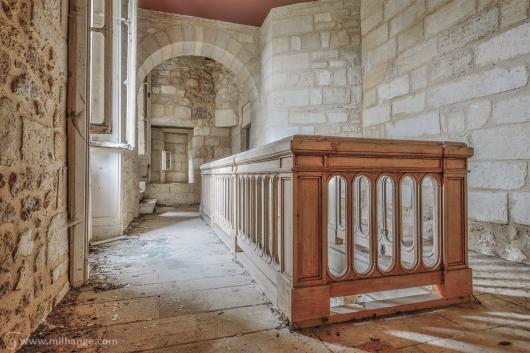 photo-urbex-chateau-du-roi-de-pique-decay-abandoned-castle-16