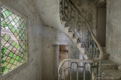 photo-urbex-chateau-du-roi-de-pique-decay-abandoned-castle-8