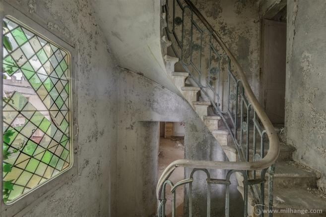 photo-urbex-chateau-du-roi-de-pique-decay-abandoned-castle-8