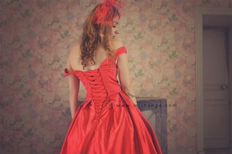 photo-urbex-manoir-abandonne-robe-hera-ambrine-collection-bordeaux-4