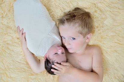 photographe-saintes-charentes-charente-bordeaux-frère-nouveau-ne-1
