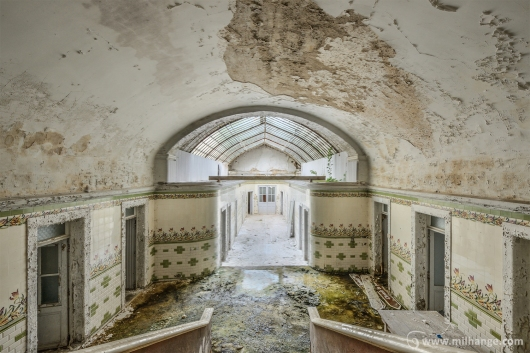 photo-urbex-thermes-verts-abandonnes-6