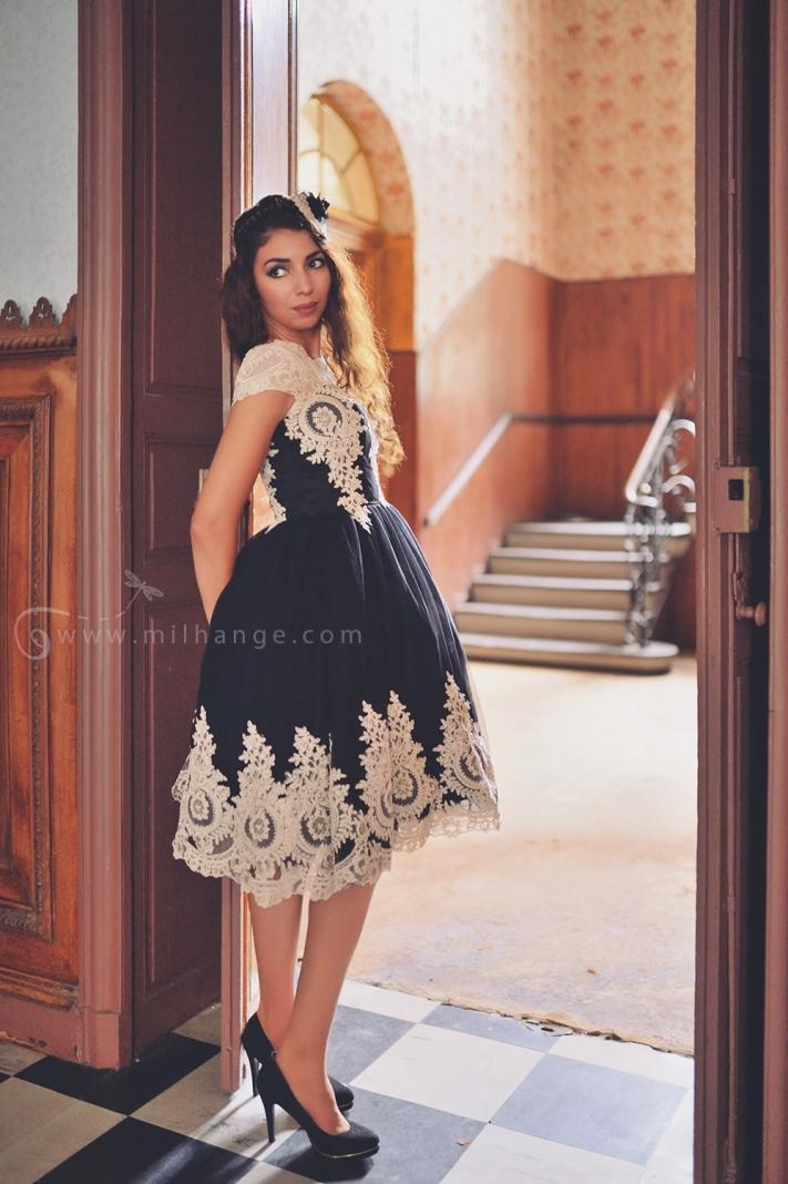 photo-urbex-robe-perle- noire-chateau-conquistador-2