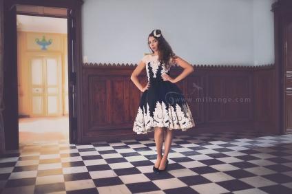 photo-urbex-robe-perle- noire-chateau-conquistador