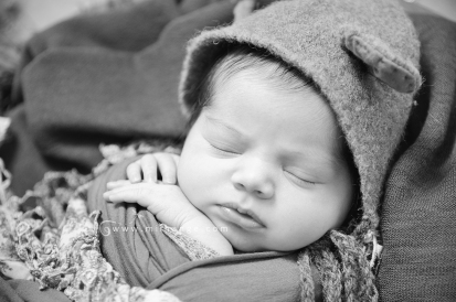 photo-bebe-newborn-naissance-bordeaux-saint-andre-de-cubzac-14