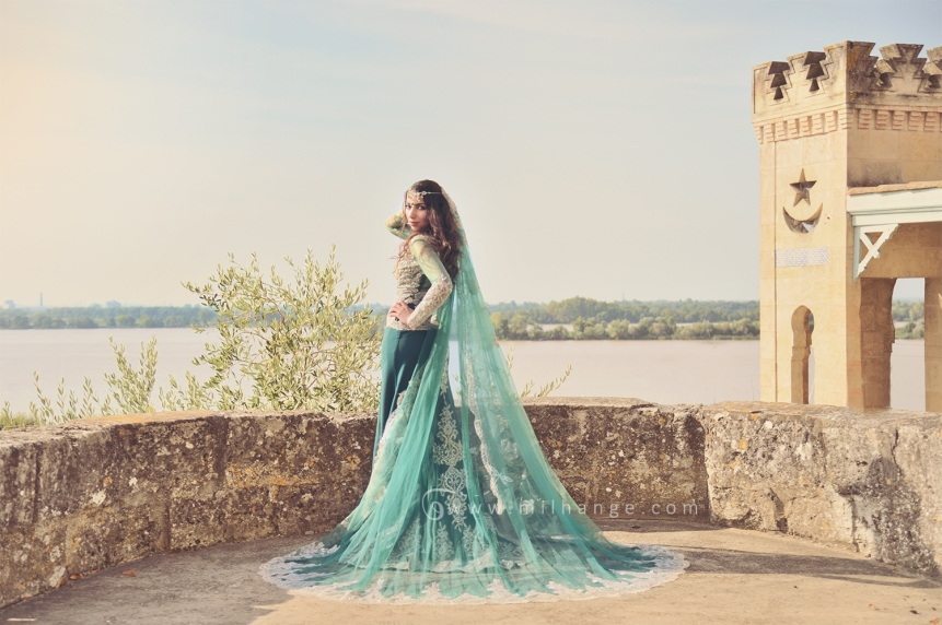 photo-robe-orientale-caftan-negafa-bordeaux-2