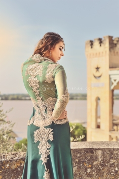 photo-robe-orientale-caftan-negafa-bordeaux-4