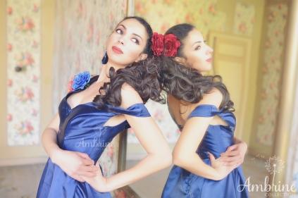 location-robe-de-soiree-bordeaux-bleu-lune-fleurs-4