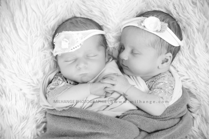 photo-naissance-jumelles-jumeaux-bebes-twins-newborn-bordeaux
